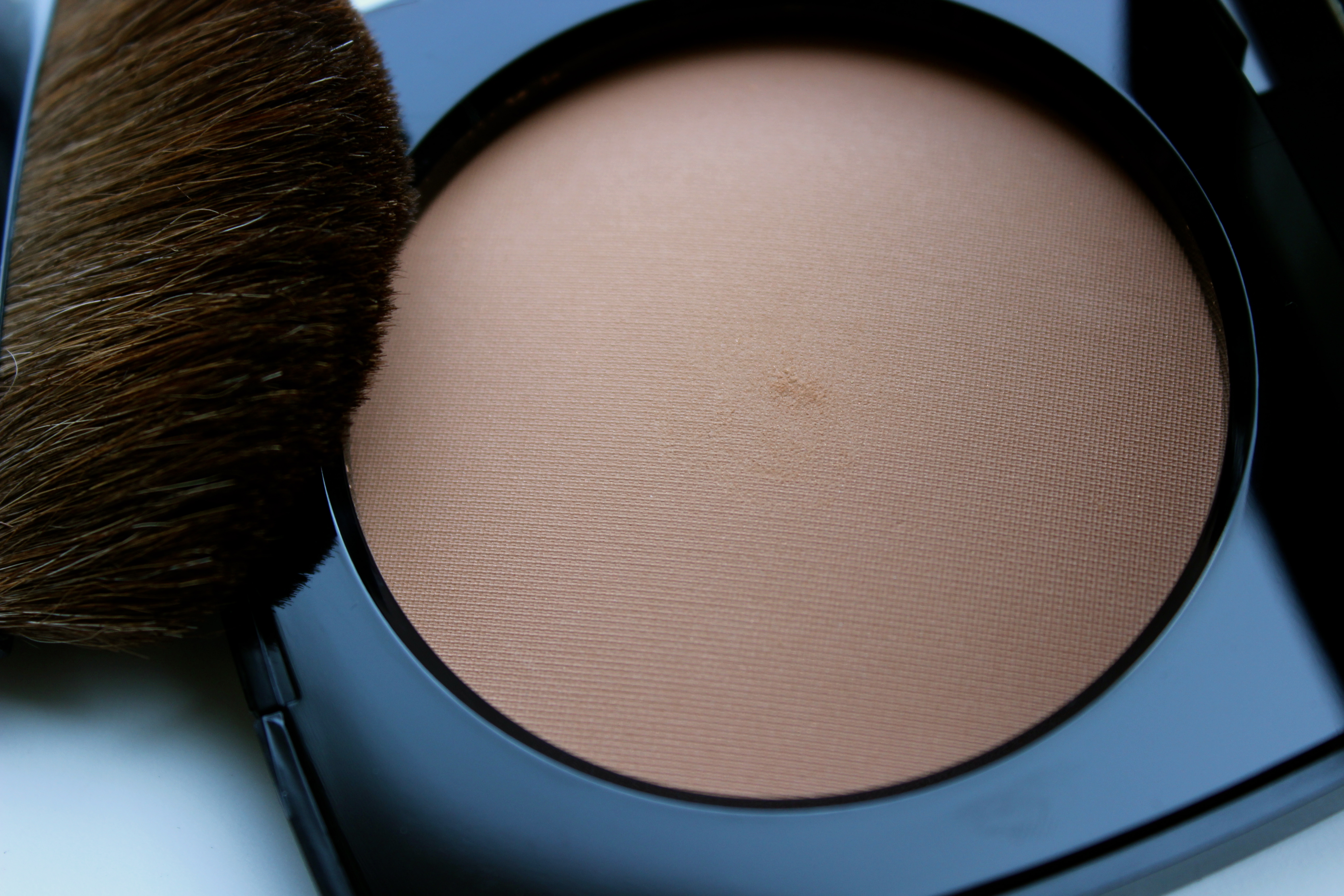 3d32c53f Chanel Les Beiges Healthy Glow Sheer Powder in N*30
