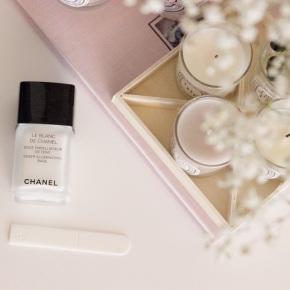 Le Blanc De Chanel Sheer IlluminatingBase